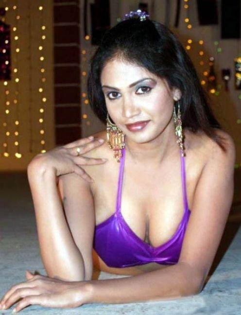 Hi, mera naam richa - Indian Adult Sex Stories